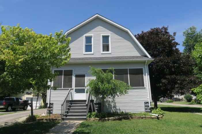 Charming and Spacious Yale Colonial!