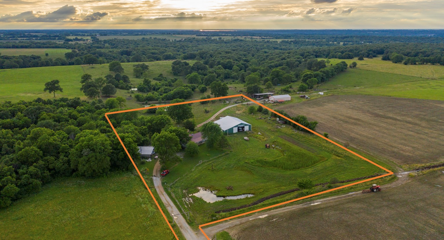 Country Home for Sale Near Truman Lake on 5+/- Acres