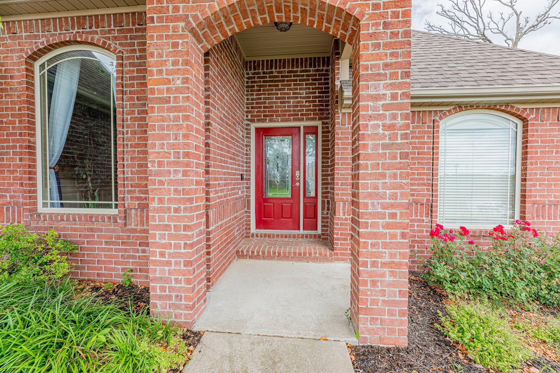 5 Bedroom 3 Bathroom Home For Sale In Centerton, Arkansas