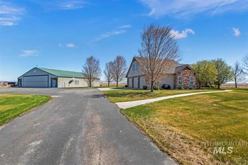 Gorgeous Home w/ Private Air Park/Hangar Minutes From Boise
