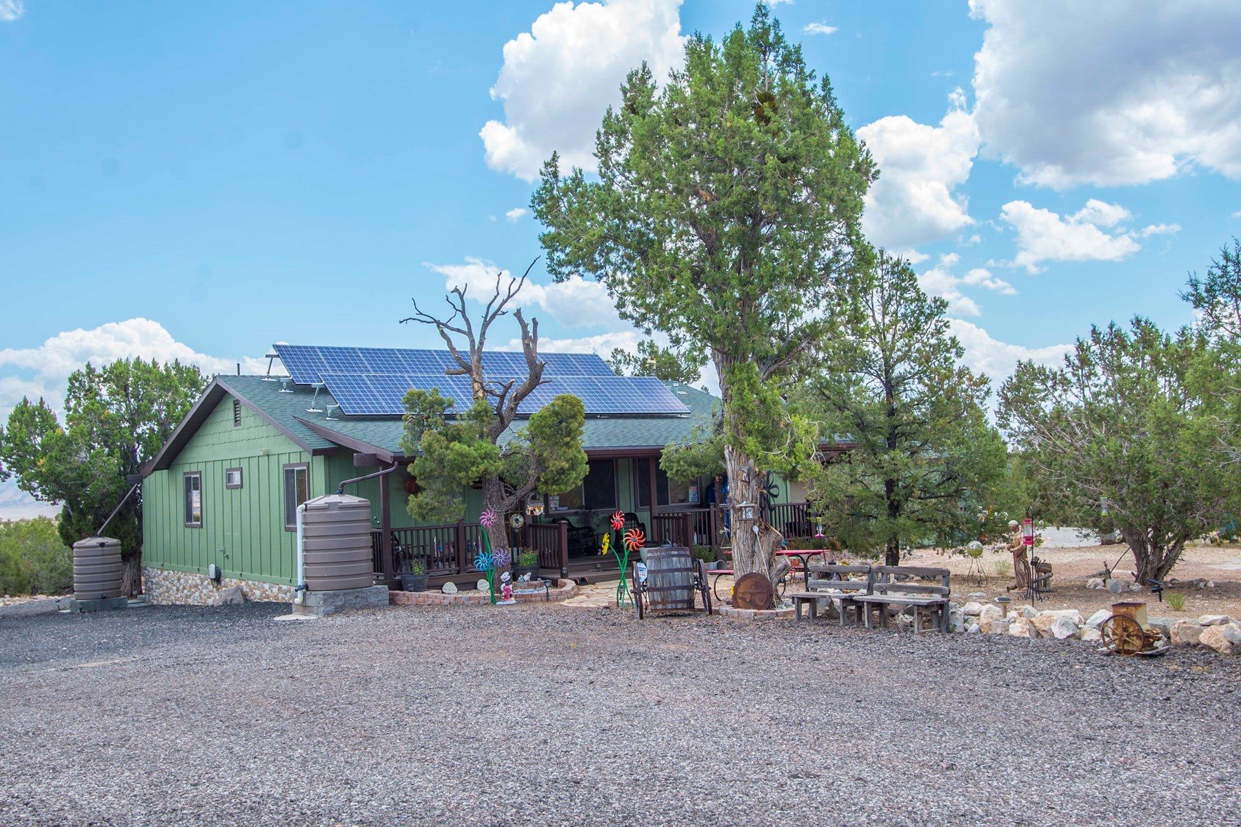 Home on Land with Workshop for Sale in Seligman AZ