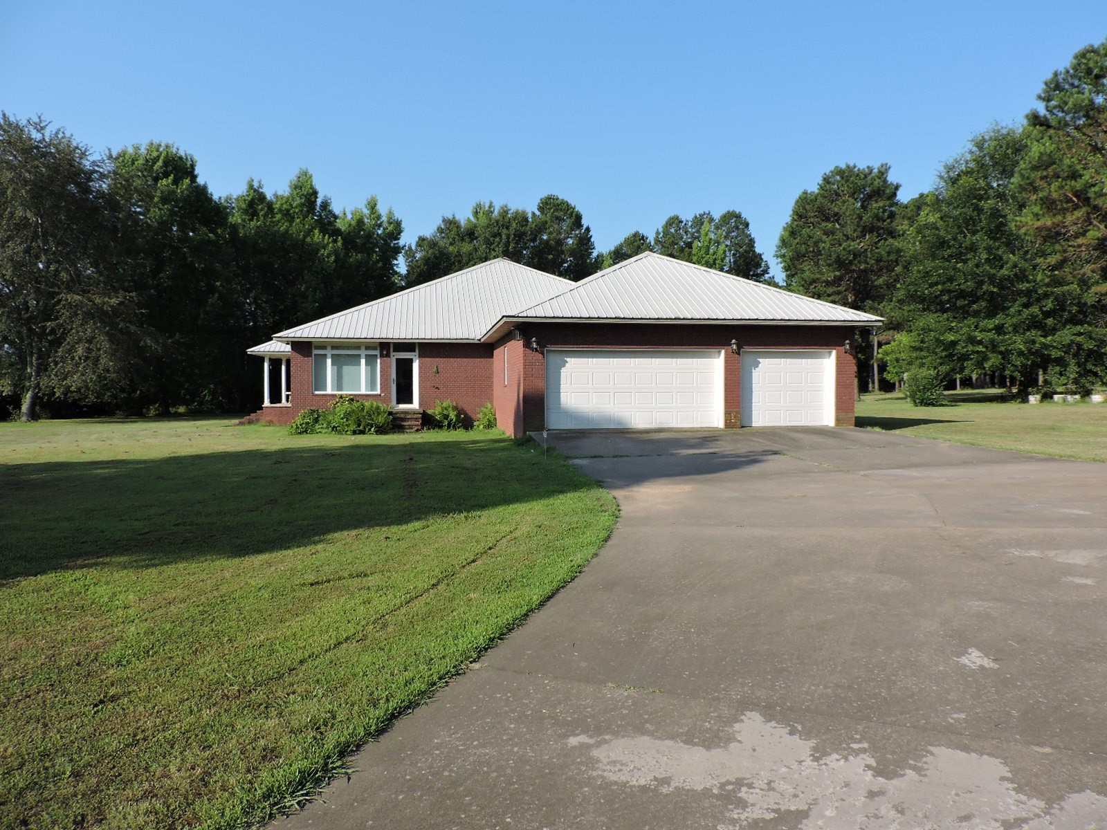 Brick home on 3.87 Acres!