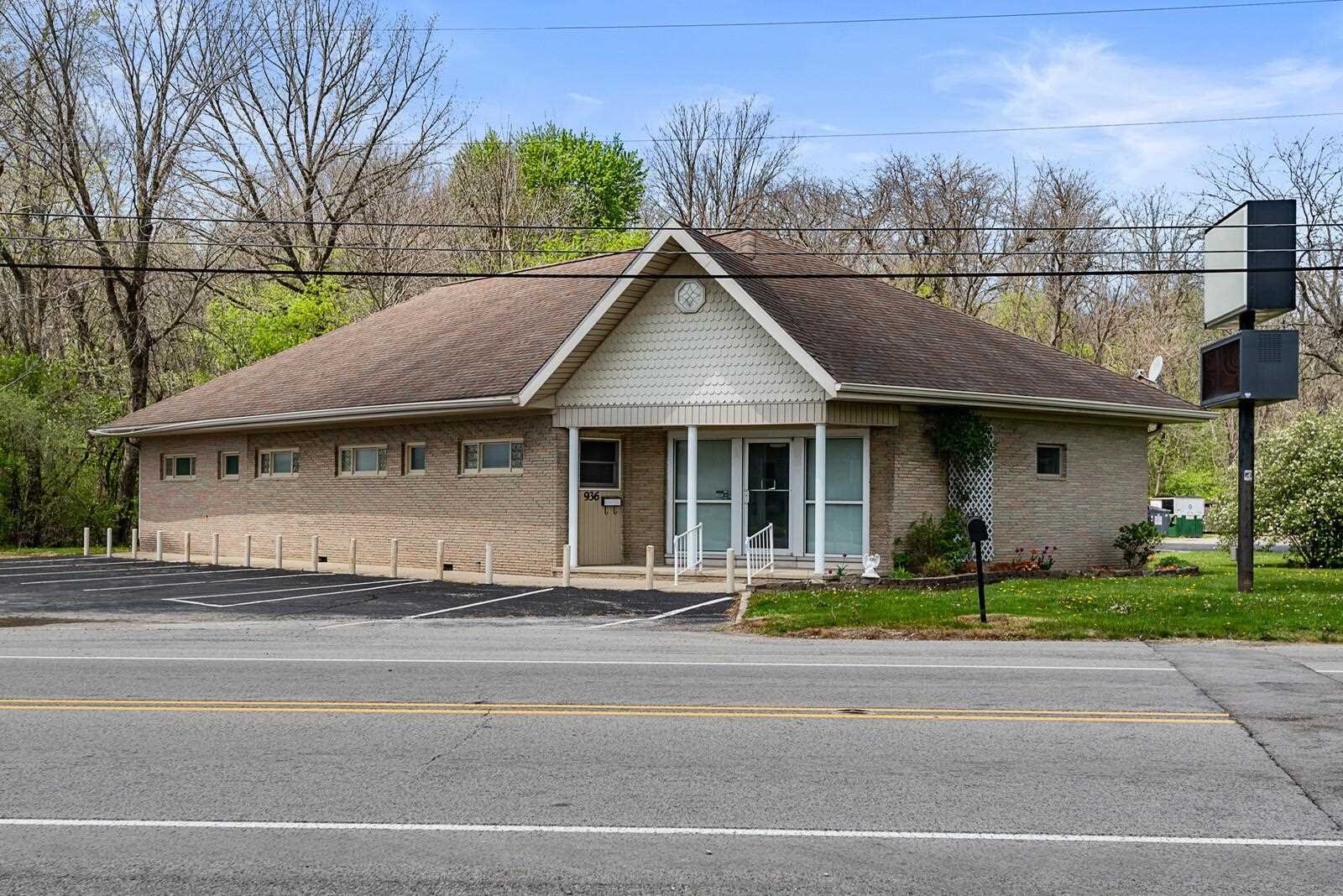 Commercial Office Building for Sale Albany, Indiana