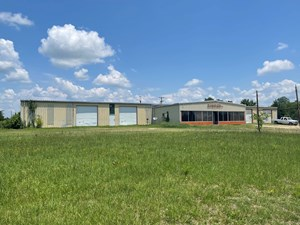 COMMERCIAL BUILDING ON 6 ACRES FOR SALE