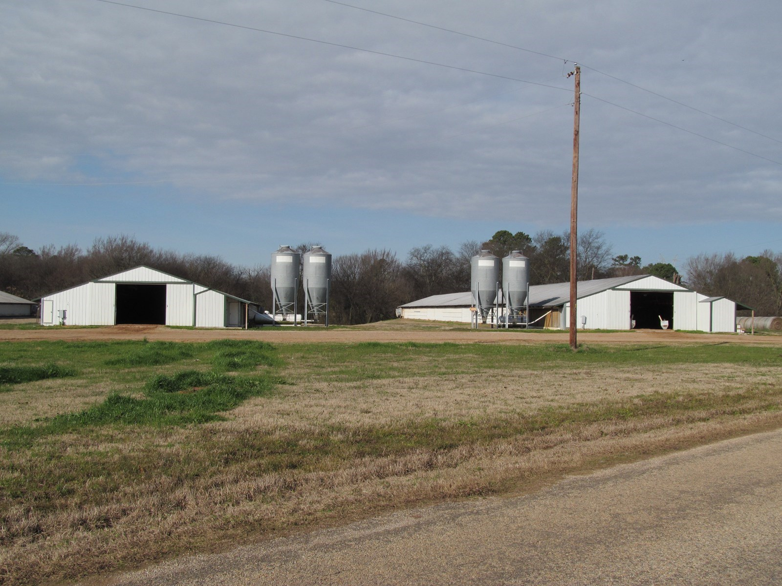MOUNT VERNON POULTRY FARM FOR SALE - FRANKLIN COUNTY, TEXAS