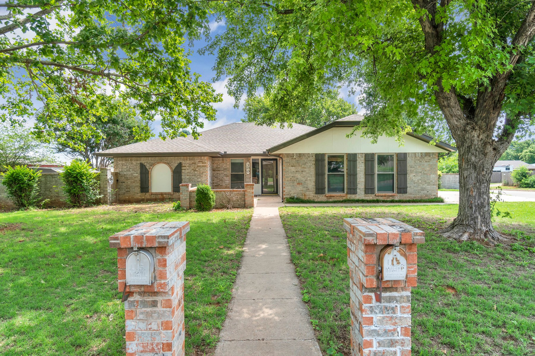 REMODELED HOME FOR SALE WESTERN OKLAHOMA  STORM SHELTER