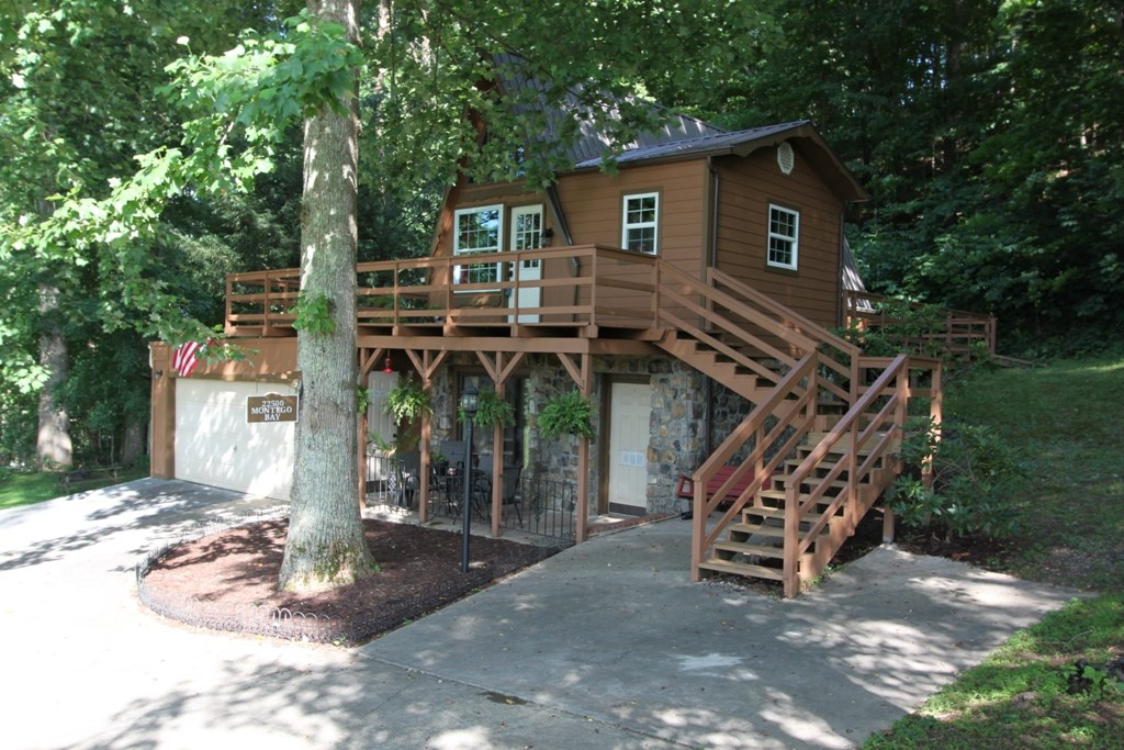 Beautiful A-Frame Home for Sale in Abingdon VA