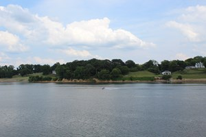 ACREAGE ON THE TN RIVER NEAR BOAT RAMP, INVESTMENT