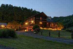 LUXURIOUS VALLEY COMPOUND FOR SALE IN SOUTHWEST WISCONSIN