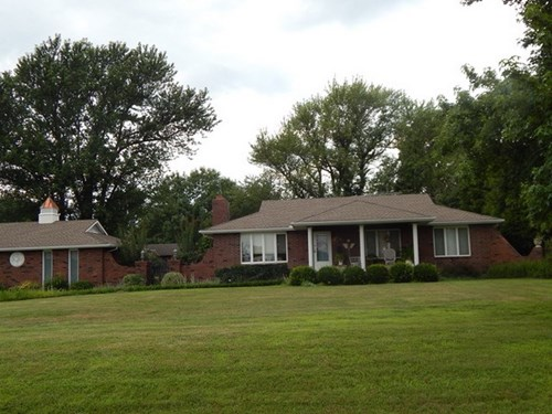 Country Home, Shop, Barn, & Acreage For Sale in Sheldon, MO