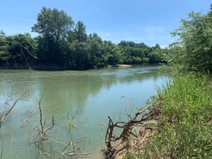RIVERFRONT LAND FOR SALE ON CURRENT RIVER IN NORTH ARKANSAS