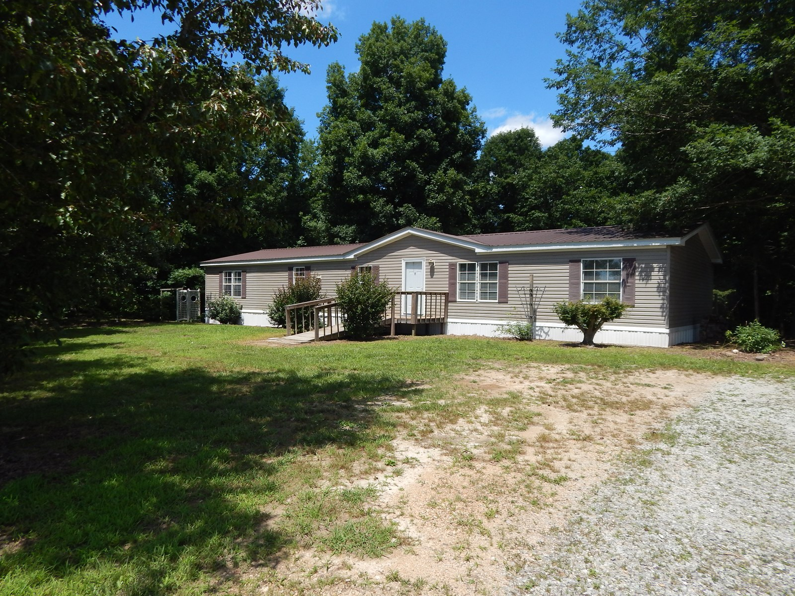 2 MOBILE HOMES ON 5.1 ACRES IN TN.!