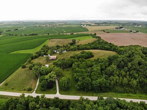 Johnson County Iowa Acreage and Home