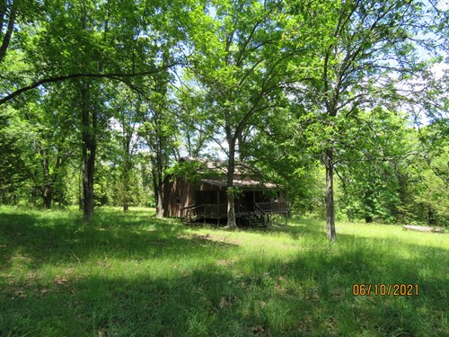 Land with Cabin for sale in Ozark County Mo