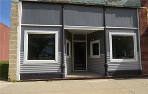 COMMERCIAL BUILDING ON NORTH SIDE OF SQUARE - STANBERRY, MO