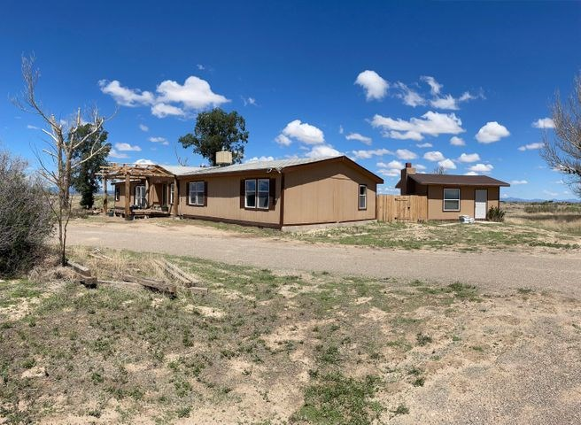 Country Home on 20±  Acres in Torrance County, New Mexico