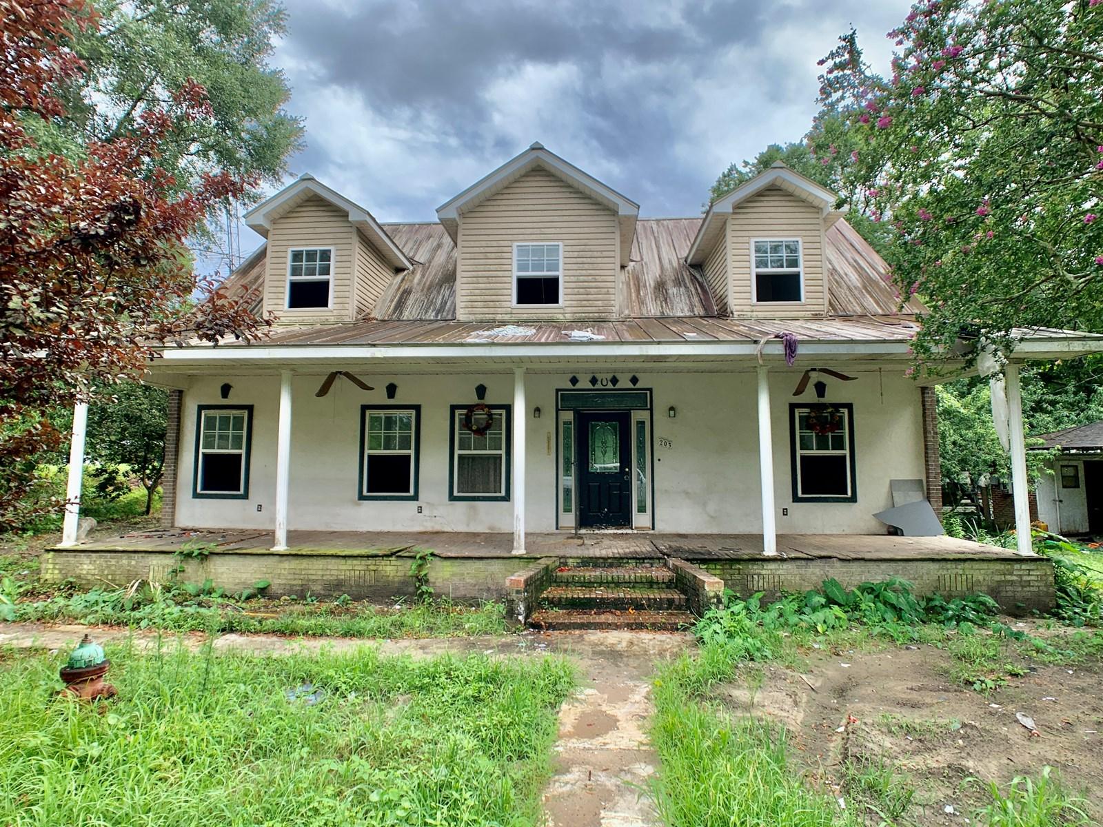Home for sale in Geneva, Alabama