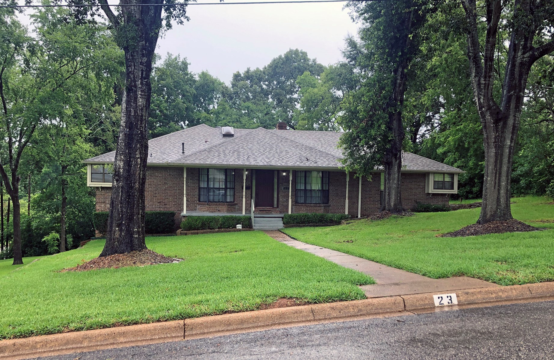 HOME FOR SALE IN ANDERSON COUNTY