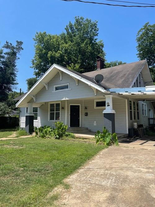 Home in Warren Arkansas For Sale