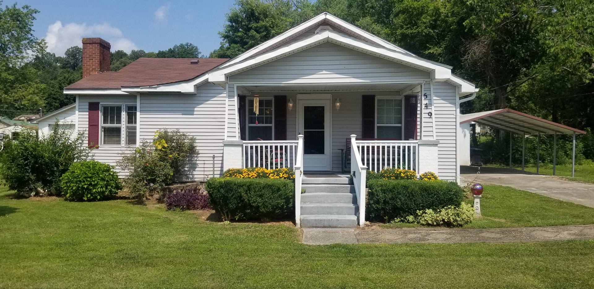 Home in town city utilities great location