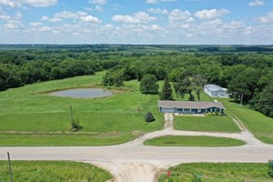 ACREAGE WITH PONDS AND TIMBER ON PAVED ROAD IN SOUTHERN IOWA