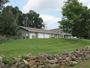 SOUTHERN EXPOSED CUSTOM BUILT RANCH ON 35 ACRES COLUMBIA CTY