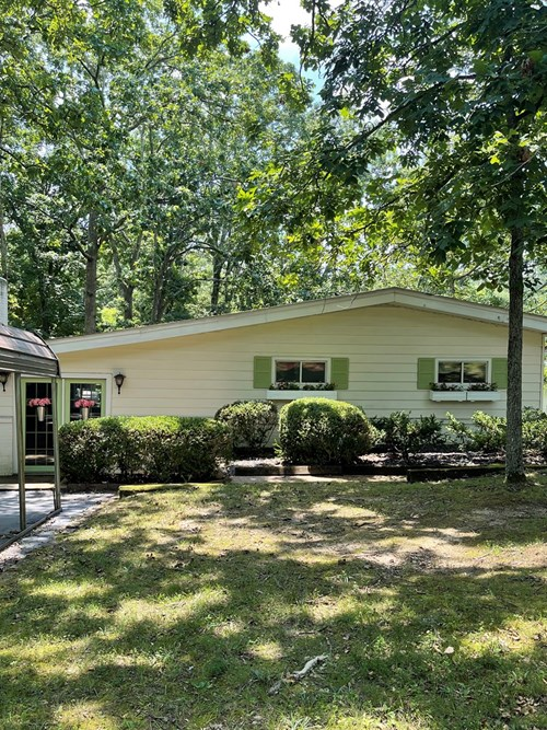 Lakefront Home for Sale Indian Hillls Subdivision Cuba, MO