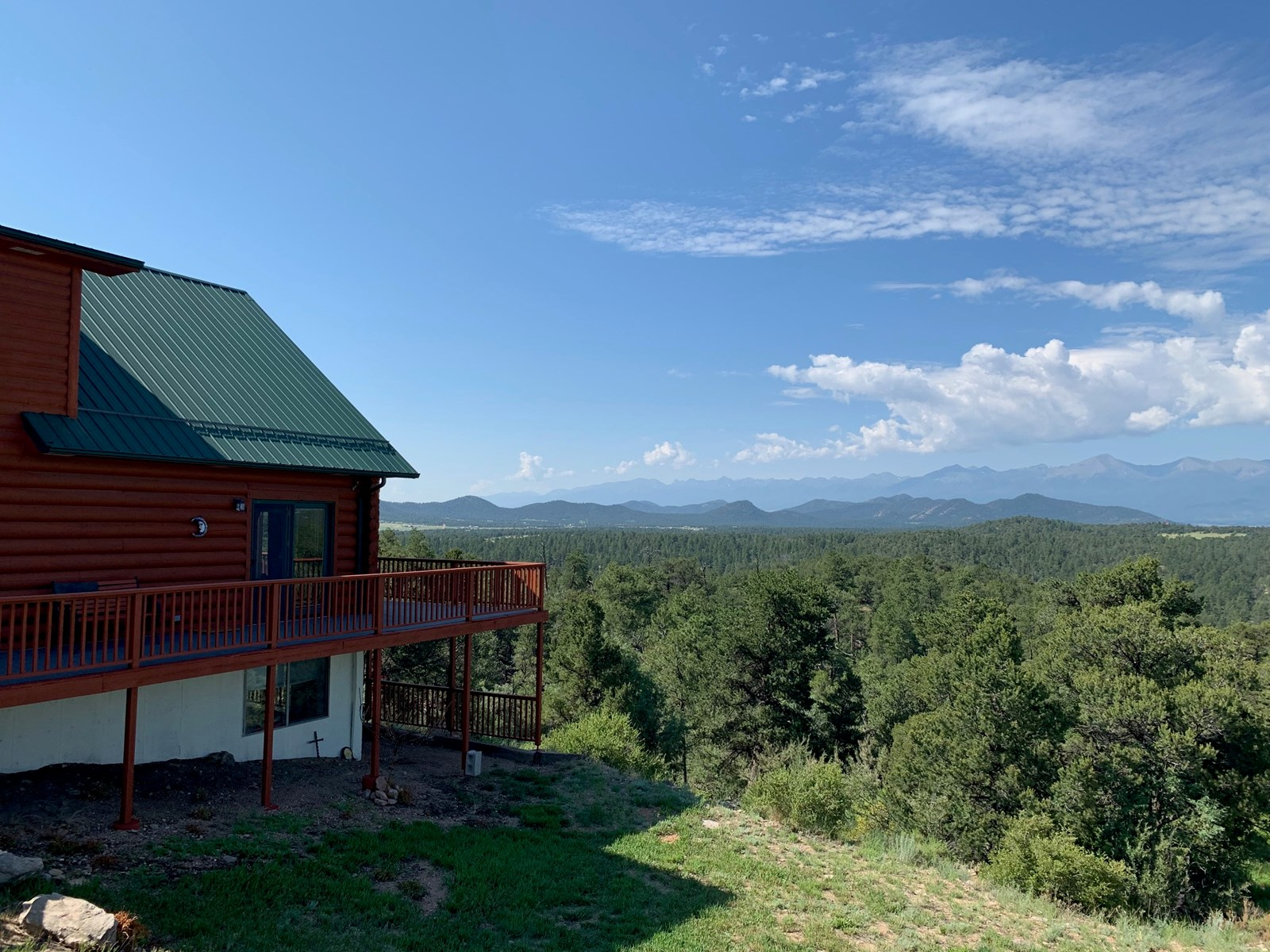 Spacious Cabin on 14.98 acres for Sale in Cotopaxi