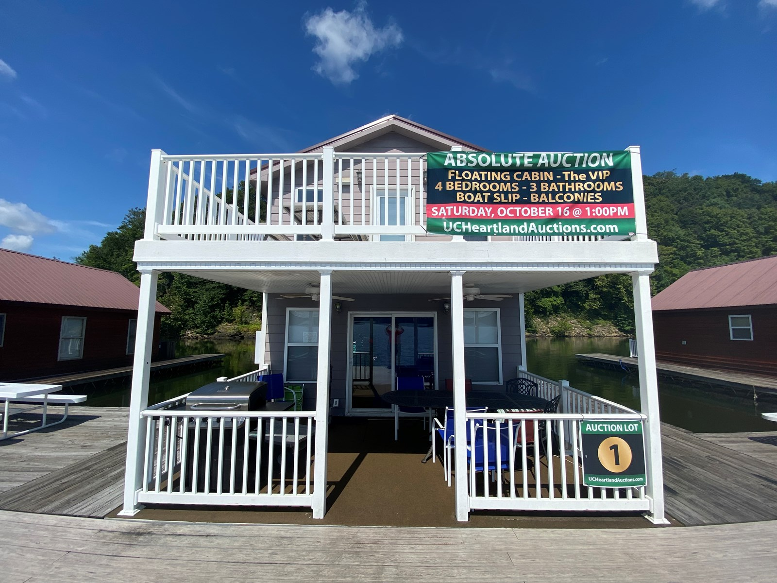6-Floating Cabins For Sale Located on Green River Lake in KY