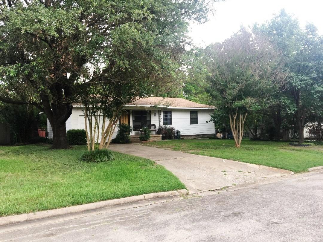 Bonham, TX Mid-Century Home