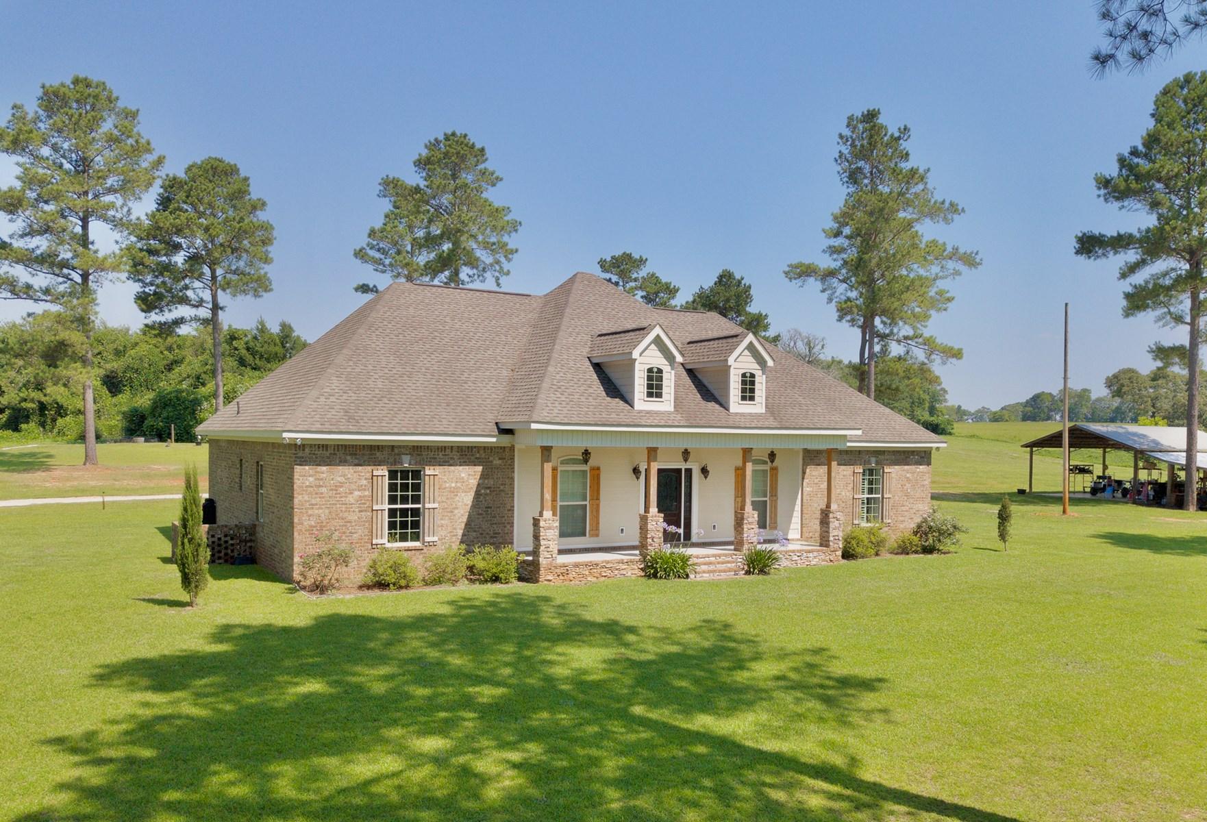 4 BR Home w/ Land & Pole Barn for Sale in Enterprise, AL