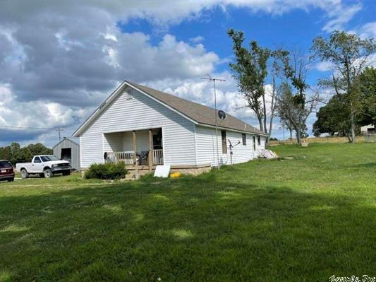 Country Home for sale Fulton County, AR