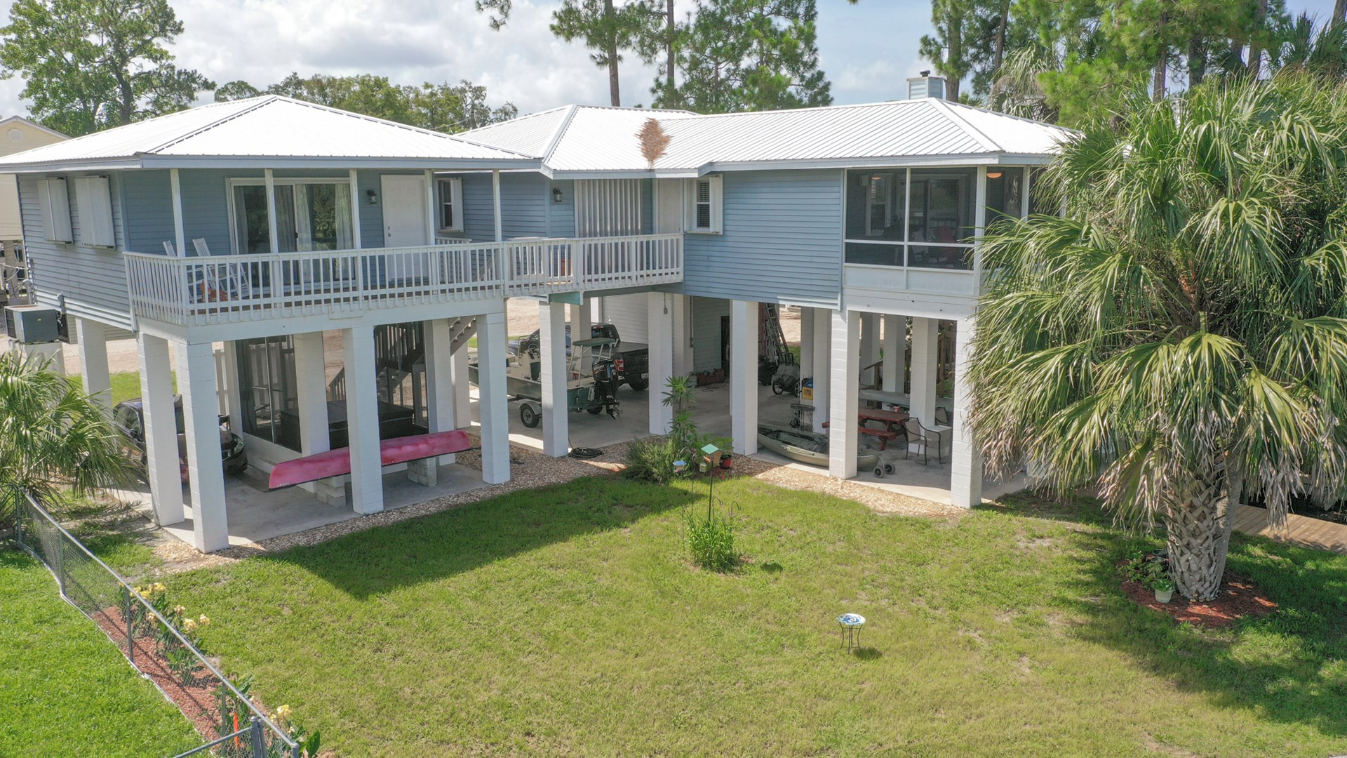COME LIVE ON THE SUWANNEE CANAL!