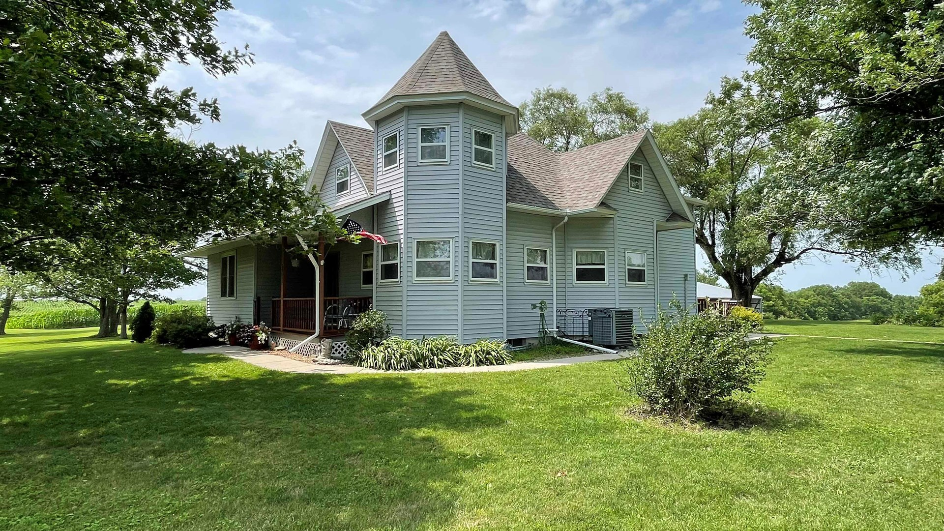 Country Home on 10 Acres in NW Missouri