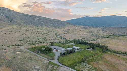 NEVADA LUXURY HOME HORSE PROPERTY FOR SALE NEXT TO USFS LAND