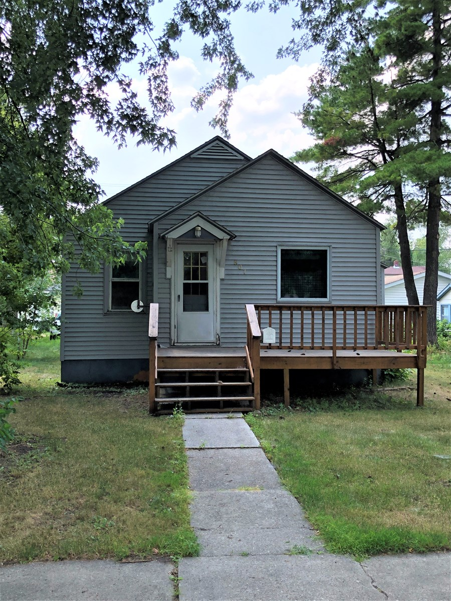 Home in town for sale in International Falls, MN