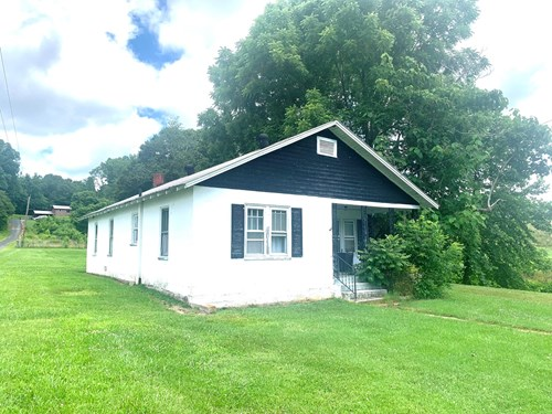 Cottage Country Home for Sale in Lewis County, Tennessee