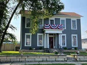 REMODELED HISTORIC HOME FOR SALE IN GALENA, IL