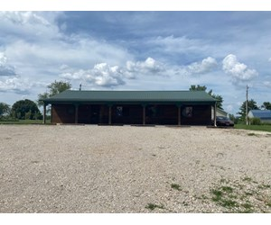 COMMERCIAL BUILDING FOR SALE IN GALLATIN MO