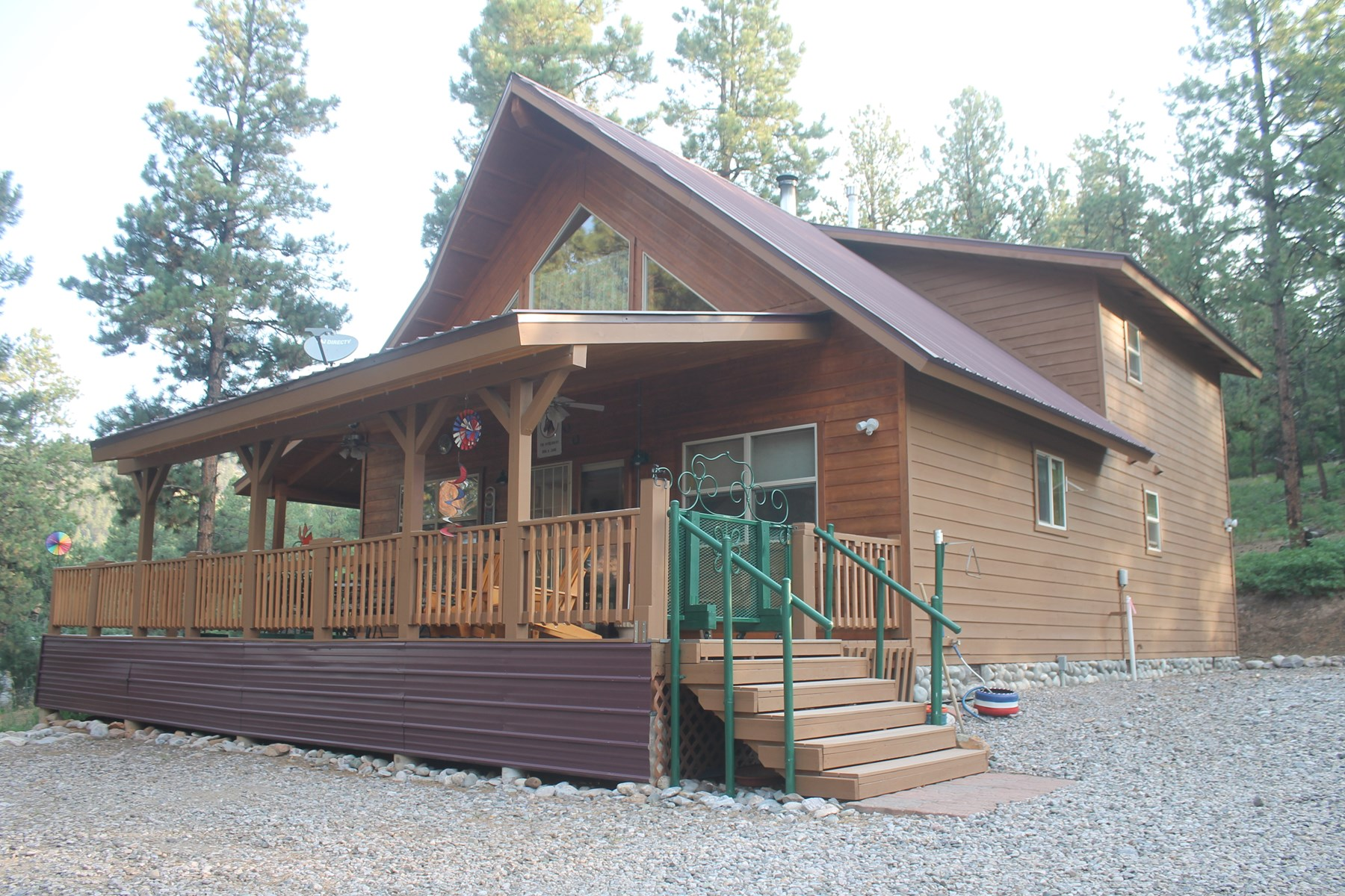 Beautifully Maintained Mountain Home with Three Car Garage