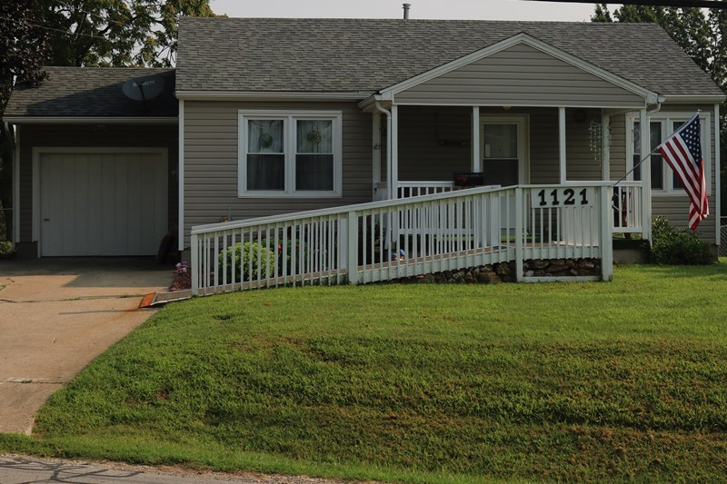 Adorable updated home in Boonville, MO