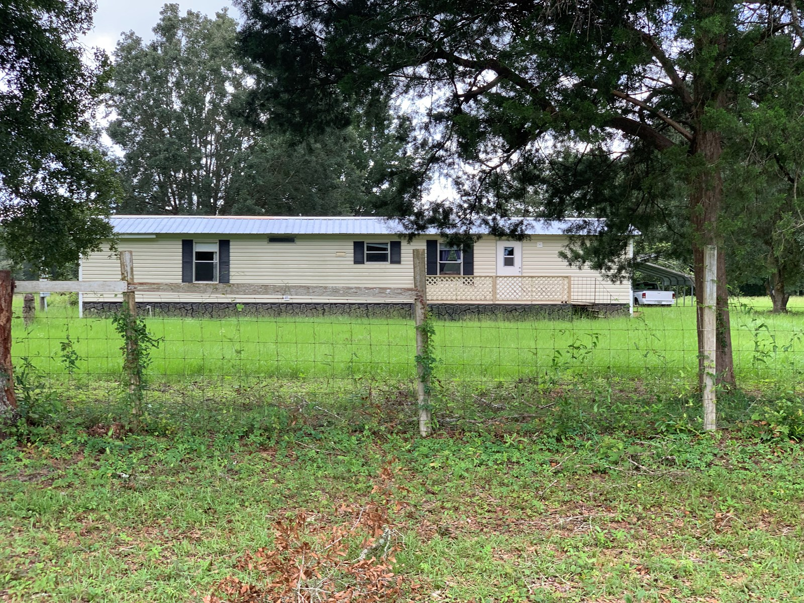 Country living  on 5 Beautiful Ac