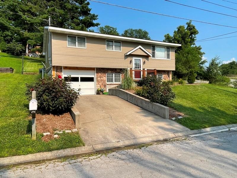 Inviting Split-Level Home in Hermann, MO