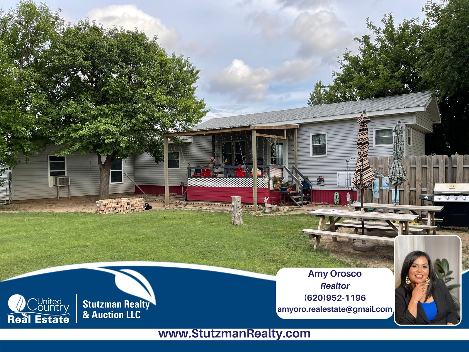 Well Maintained Manufactured Home on 2 Lots