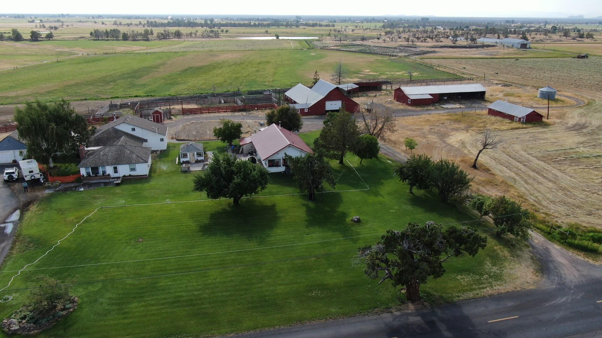 Fox Farm - Central Oregon - Cascade Mountain Views