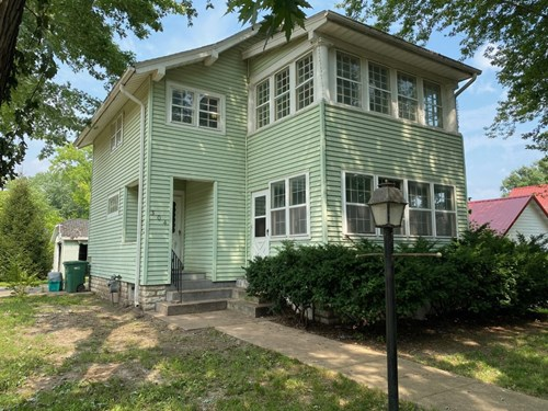 Affordable 2 Story Home in Keosauqua For Sale