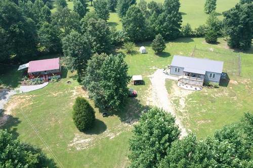 FARM FOR SALE IN TN. 2 Houses, shop, pasture, hunting, pond
