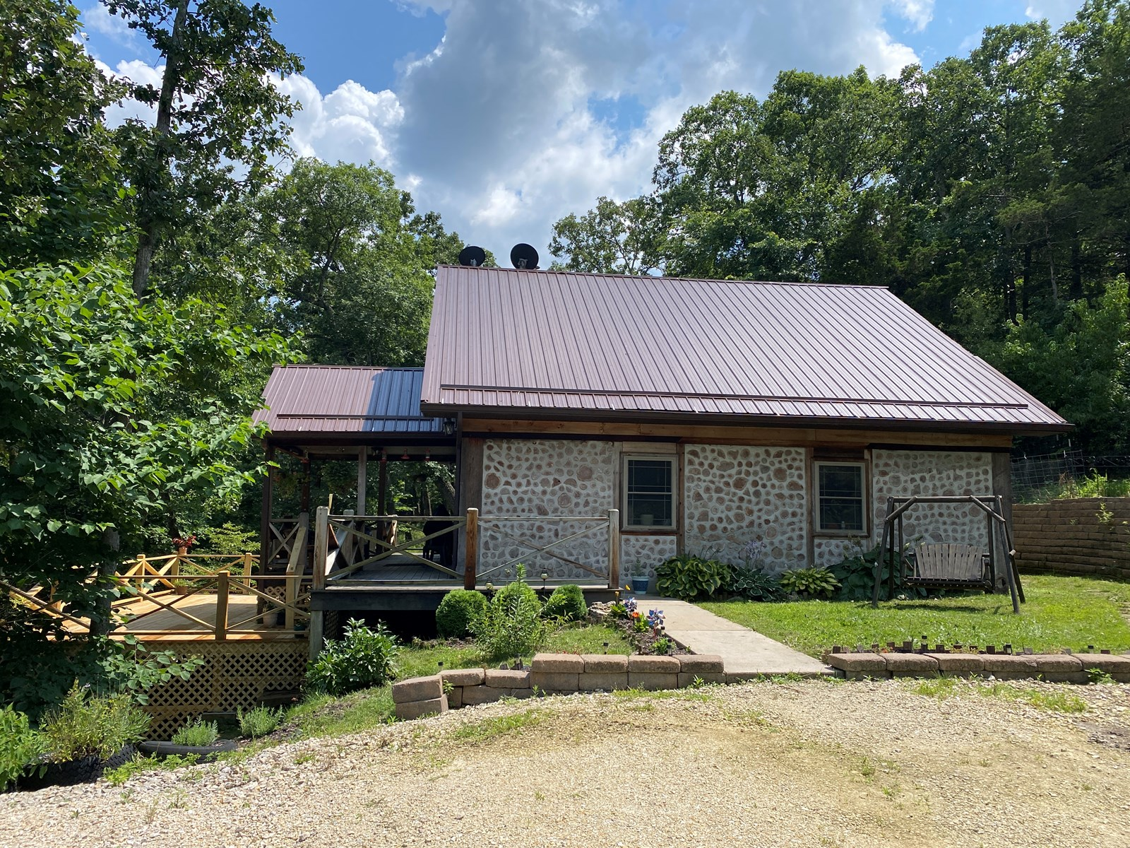 Beautiful Cordwood home on 31+ acres in Hermann Mo!