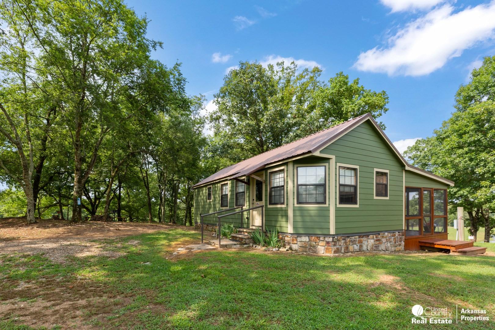 Cabin for Sale in Arkansas