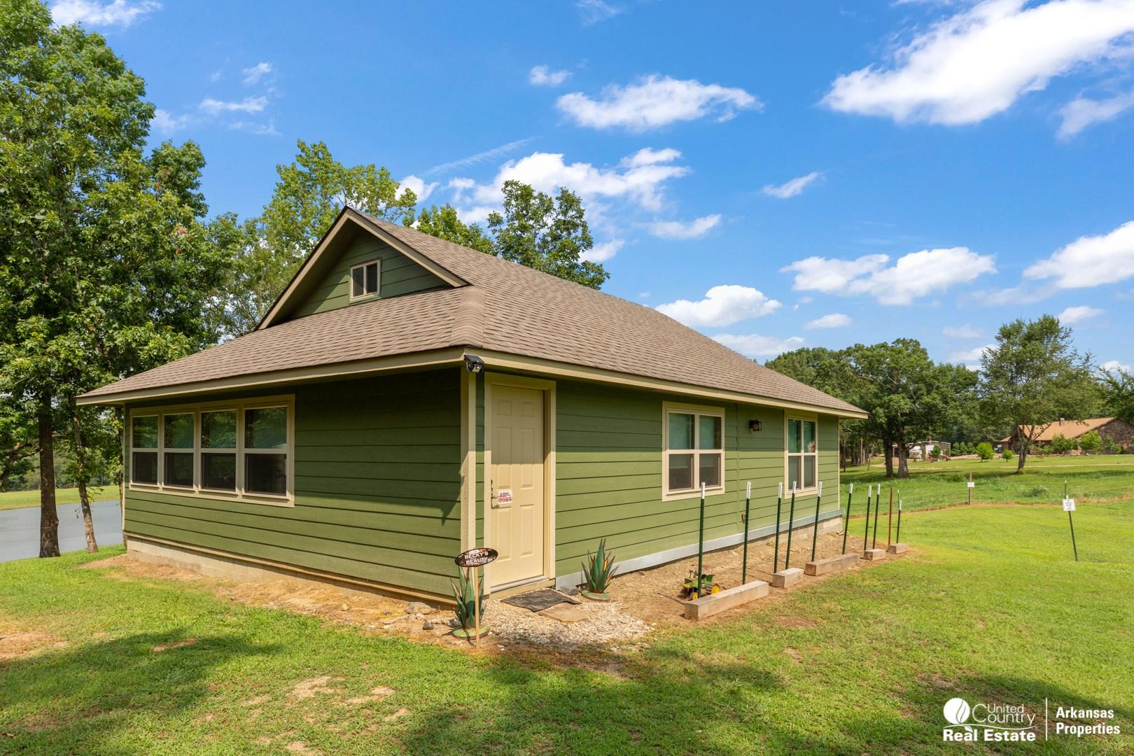 Weekend Retreat for Sale in Arkansas